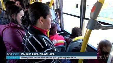 Passageiros reclamam da linha que liga a capital a Região Metropolitana - A principal reclamação é a de que são poucos ônibus fazendo o trajeto entre Curitiba e Piraquara nos horários de pico.