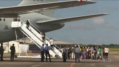 Quase 200 venezuelanos são transferidos de Roraima - Governo federal promete levar para outros estados 400 imigrantes por semana a partir de setembro.