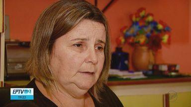 Mulher diz esperar há 8 anos por cirurgia para retirar mioma em São Carlos, SP - Andreia Donnagelo tem tumor benigno do tamanho de um feto de quatro meses.