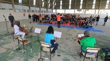 Orquestra Brasil de Tuhu incentiva o ensino musical em escolas do RS - O projeto viaja o Brasil inteiro com a ação.