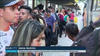 Linha que vai de Curitiba a Piraquara é mais uma vez motivo de reclamação de passageiros - Eles reclamam dos ônibus lotados.