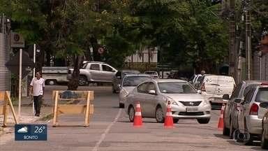 Obras interditam trecho da Avenida Beira Rio, na Zona Oeste do Recife - Serviços fazem parte do projeto de requalificação da Segunda Perimetral.