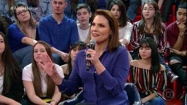 Laura Muller fala sobre gravidez na adolescência - Plateia faz perguntas para a profissional
