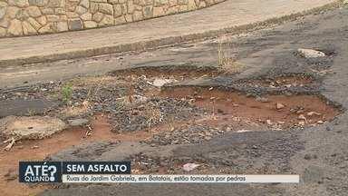 Moradores reclamam de falta de asfalto no Jardim Gabriela em Batatais, SP - Vizinhos dizem que enfrentam problema há meses.
