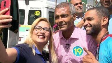 Romário (PODE) faz campanha em Bonsucesso, no RJ - Assista a seguir.