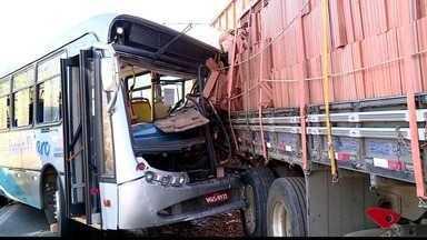 Motorista de ônibus que se envolveu em acidente em Colatina tem alta do hospital - Ele passou 15 dias internado.