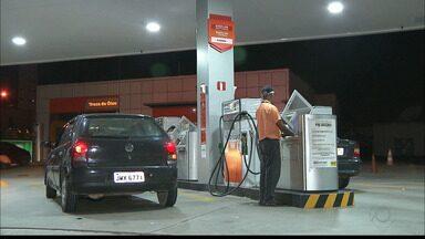 Petrobras muda política de preço dos combustíveis e Procon está de olho nos aumentos - Motoristas já estão sentindo os efeitos no bolso e reclamam dos constantes aumentos.