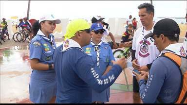 Grupo de escoteiros realiza passeio ciclístico em João Pessoa - Evento fez parte das festividades pelos 50 anos do Grupo Escoteiros do Mar Almirante Barroso