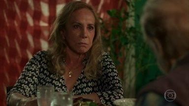 Naná afirma que Luzia deve passar o resta da vida na cadeia - Nestor tenta animar a amada