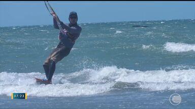 Grupo percorre cidades para praticar kitesurfe - Grupo percorre cidades para praticar kitesurfe