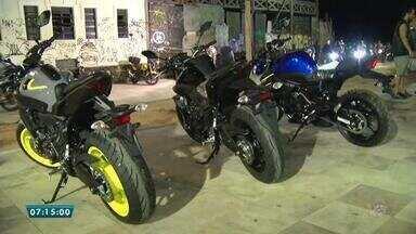 Motociclistas se reunem por paixão pelo veículo em Fortaleza - Saiba mais em g1.com.br/ce