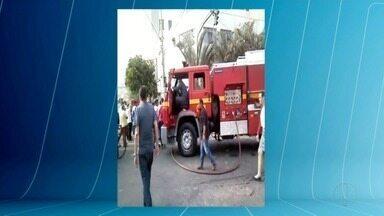 Incêndio destrói loja de roupas em Caratinga - Ninguém ficou ferido.