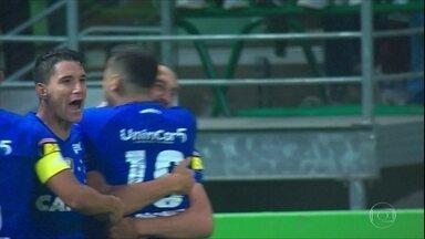 Em jogo polêmico, Cruzeiro vence Palmeiras na Copa do Brasil - Em jogo polêmico, Cruzeiro vence Palmeiras na Copa do Brasil