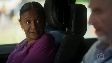 Zefa repreende Severo - Ele reclama por estar trabalhando como motorista de Roberval