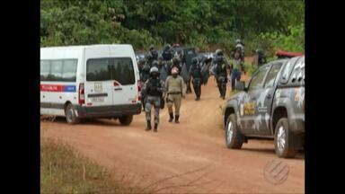 Cinquenta famílias tiveram que desocupar a fazenda Santa Clara na zona rural de Marabá - Dois oficiais de justiça acompanhados de policiais militares foram até o acampamento montado na sede da fazenda.