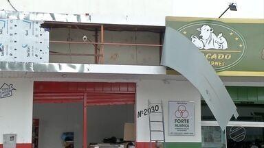 Vento e chuva atingem Corumbá - Houve estragos em várias partes da cidade.
