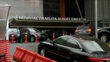 Candidato do PSL, Jair Bolsonaro, se recupera na UTI do Albert Einstein - Boletim médico diz que candidato está em condições estáveis e sem complicações depois da segunda cirurgia. Bolsonaro faz campanha pelas redes sociais.