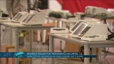 Mais de 370 mil mesários vão trabalhar nessas eleições - A 22 dias do primeiro turno, a Justiça Eleitoral já começou o treinamento dos mesários.