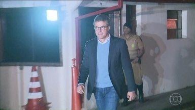 Ex-governador do Paraná, Beto Richa, deixa local onde estava preso desde terça-feira - Um empresário que também estava preso pela Operação Rádio Patrulha conta ao Ministério Público do Paraná que deu mais de 700 mil reais para a campanha de Beto Richa, em 2014.
