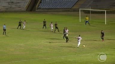 """Foi intencional"", diz lateral após gol - ""Foi intencional"", diz lateral após gol"