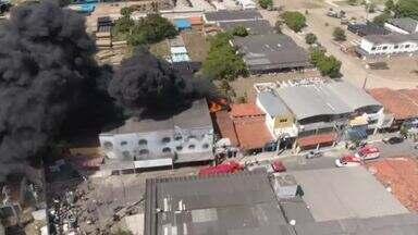 Prédio da Cagece e fábrica são interditados após incêndio - Confira mais notícias em g1.globo.com/ce