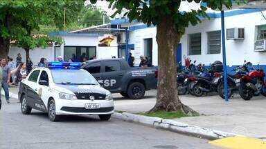 29 são presos suspeitos de desviar R$ 30 milhões em contas bancárias - Um cantor sertanejo foi preso em Ponta Grossa, no Paraná. Grupo tinha como 'vítimas' tanto pessoas físicas, quanto grandes empresas.