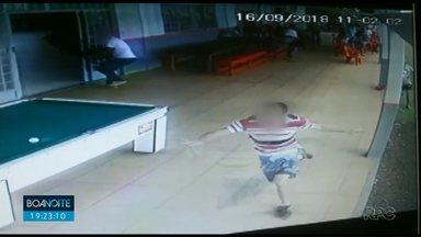 Briga em jogo de futebol amador termina com homem baleado em Mandaguari - Os dois envolvidos tinham sido expulsos de uma partida numa associação da cidade.