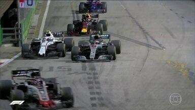 Fórmula 1: Hamilton vence em Singapura, e aumenta sua vantagem para Vettel - Fórmula 1: Hamilton vence em Singapura e aumenta sua vantagem para Vettel