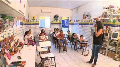 Professora realiza sonho e beneficia crianças do bairro Vila Embratel em São Luís - Professora decidiu escrever carta para pedir a Defensoria Pública um espaço com melhor infraestrutura para dar aulas aos seus 65 alunos.