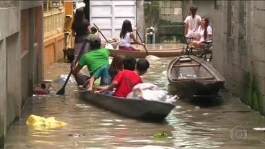 Sobe para 78 o número de mortos na passagem do tufão pela Ásia - Mangkut é o tufão mais forte do ano. A região mais atingida foi o norte das Filipinas, 55 pessoas continuam desaparecidas.
