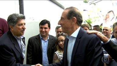 Paulo Skaf (MDB) faz campanha em duas cidades - Paulo Skaf, candidato do MDB ao governo de SP, fez campanha em Arujá e Guarulhos.