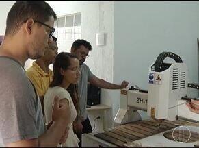 Estudantes participam de programação que envolve várias áreas em Nova Porteirinha - Programação foi realizada em uma faculdade da cidade.