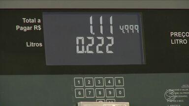 Gasolina x etanol: qual vale mais pena na hora de abastecer? - RJ faz giro pelas seis maiores cidades do Sul do Rio para conferir o valor dos combustíveis.