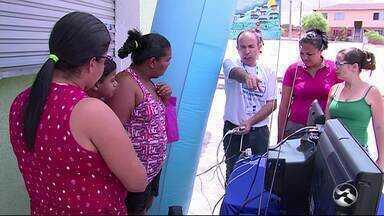 TV Asa Branca realiza Caravana Digital no Loteamento Luiz Bezerra Torres - Sinal analógico será desligado em dezembro.
