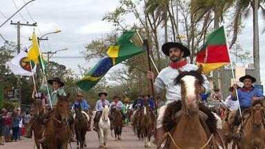 Com presença de familiar de Bento Gonçalves, Guaíba celebra o 20 de Setembro - Assista ao vídeo.