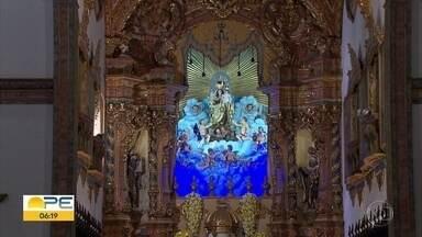 Restauração de imagem de Nossa Senhora do Carmo do século 17 é concluída no Recife - A imagem começou a ser restaurada em fevereiro desde ano. Obra da imagem e cúpula da igreja custou R$ 130 mil.