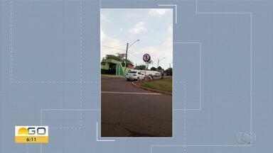 Telespectadores flagra irregularidades no trânsito em Goiânia - Carro é visto na contramão.