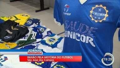 Evento reúne fãs de camisas de times em São José - Por trás de cada uniforme, fãs relembram histórias.