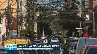 Câmara de Ribeirão Preto, SP, decidiu mudar a Lei Cidade Limpa para mais publicidade - Lei foi criada para diminuir a poluição visual nas ruas da cidade.