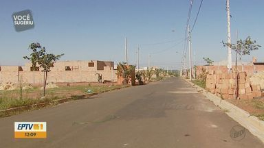 Moradores reclamam dos furtos no Residencial Alamedas em Araraquara - Construções também têm sido alvo de ladrões.