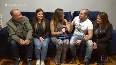 Família do ex-BBB Kaysar chega ao Brasil - Veja tudo o que rolou no reencontro entre pai, mãe, irmã e Kaysar 7 anos depois de deixar a Síria