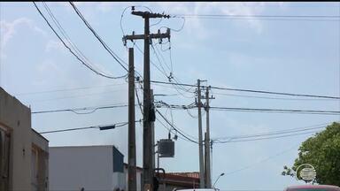 Bandidos danificam a rede elétrica para agirem no escuro na Zona Sul - Bandidos danificam a rede elétrica para agirem no escuro na Zona Sul