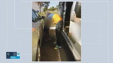 Motorista é preso porque deixou criança na van escolar em Sobradinho - Ele pagou fiança de mil reais e vai responder por abandono de incapaz.