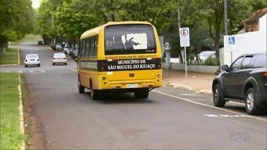 Polícia deflagra operação que apura irregularidades no transporte escolar - A operação foi em São Miguel do Iguaçu e em Foz do Iguaçu.