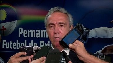 Evandro Carvalho continua no comando da Federação Pernambucana de Futebol - Por aclamação, dirigente foi reeleito na ultima terça-feira para continuar trabalho