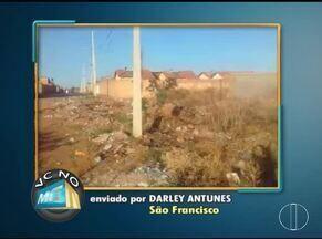 VC no MG: Moradores de Montes Claros, São Francisco e Salinas enviam denúncias - Em São Francisco, morador denúncia lixo acumulado em rua.