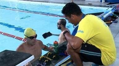 Atleta de triatlo vende rifas para viajar e participar de competição mundial no Havaí - Fabiano conseguiu vaga para disputar o Mundial de Tri atletismo.