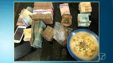 PF deflagra operação em combate à lavagem de ouro clandestino - Operação 'Levigação' deflagrada nesta quarta-feira (26) descobriu que grande parte do ouro é proveniente da Bacia do Rio Tapajós.