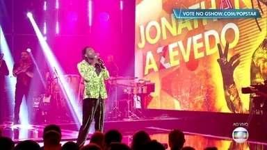 Jonathan Azevedo canta 'Não Deixe o Samba Morrer' - O ator canta também um rap de sua autoria