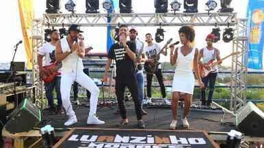 Luanzinho Moraes canta o hit 'NaNaNa' - A música foi um dos primeiros sucessos do artista.